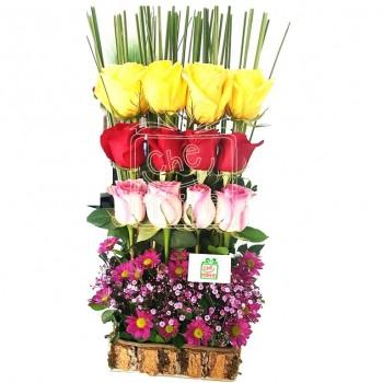 Arreglo de rosas coloridas